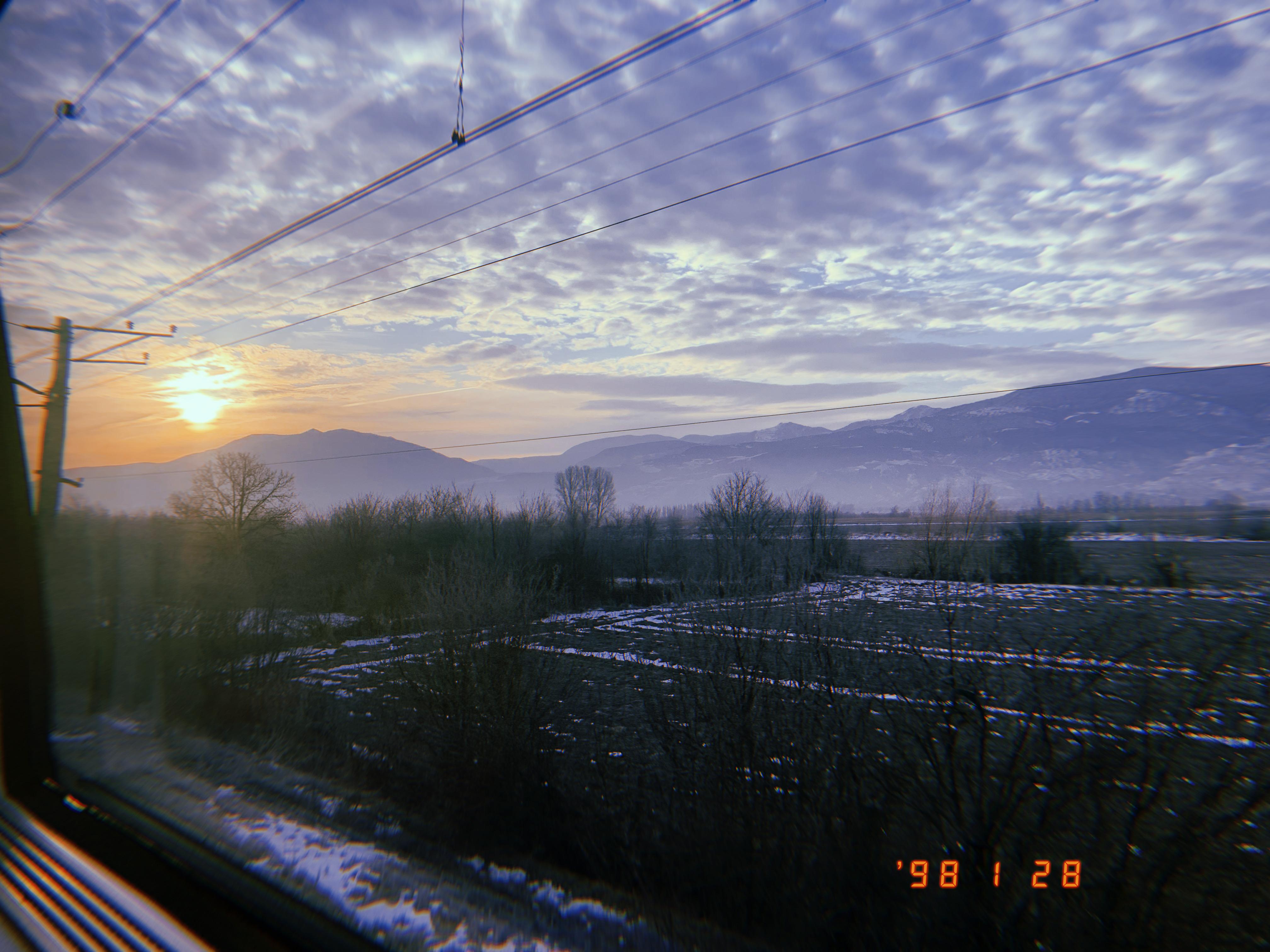 トビリシからバトゥミまで向かう途中の列車からの景色
